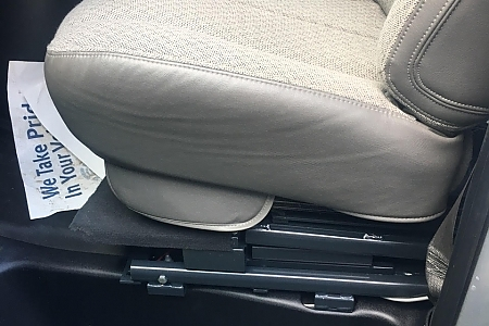 gmc-savana-2500HD-2016-seat